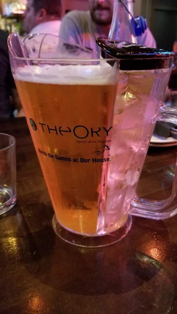 Пивной бокал с отсеком для льда.