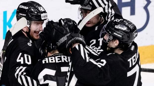 «Трактор» объявил об уходе 10 игроков, «Автомобилист» покинули 5 хоккеистов