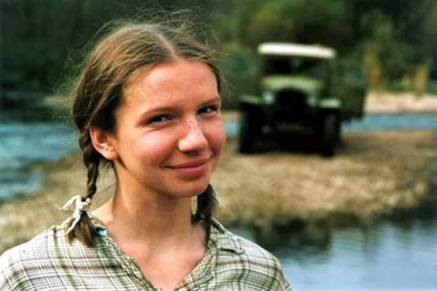 Ирина Рахманова, Белоснежка из «9 роты», сильно изменилась (2 фото)