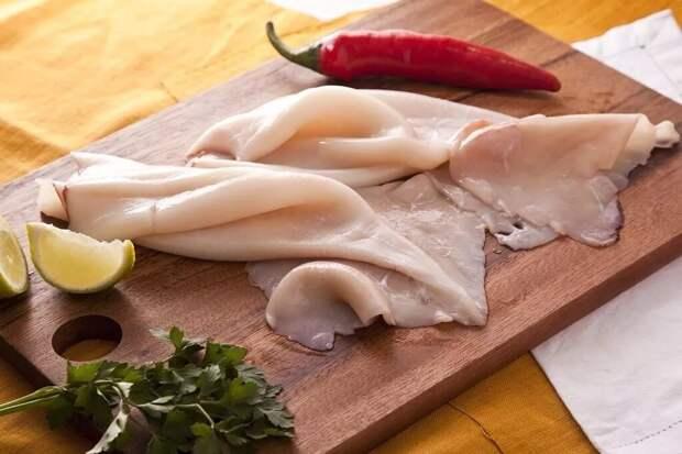Если Вы знаете как очищать кальмара за 30 секунд, можете пролистывать. Интересные кулинарные хитрости