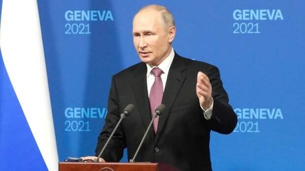 Песков: Путин всегда находится в гуще событий