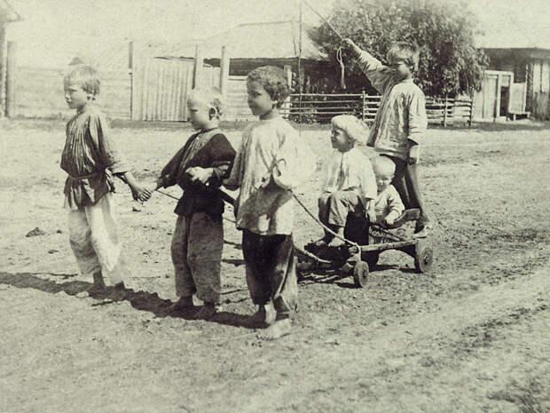 Картинки по запросу деревенские дети труд