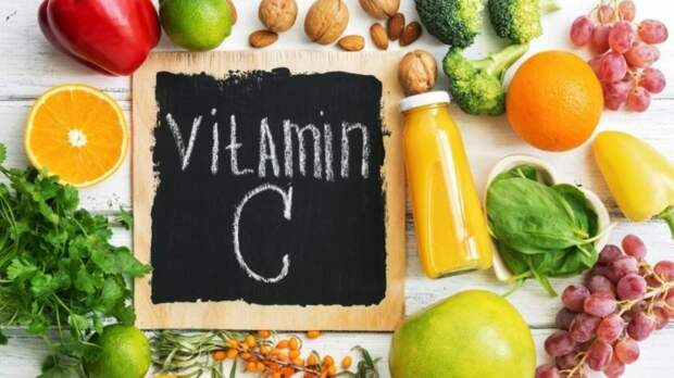 Диетолог Залетова отметила важность витамина С в период осенних простуд
