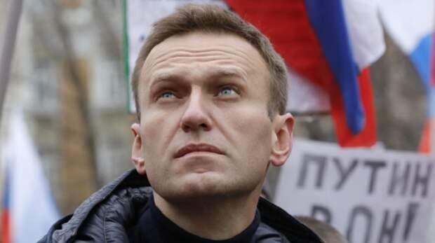 Бунт малолеток: У нас «резиденция Януковича», у вас – «дворец Путина»