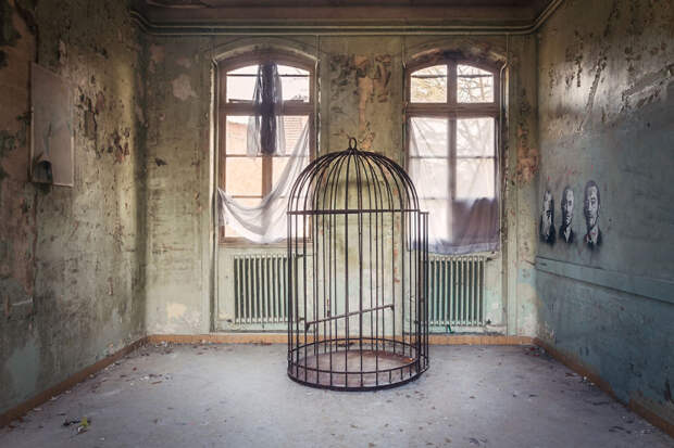 abandonedhospital-59da2d04c9bf0__880