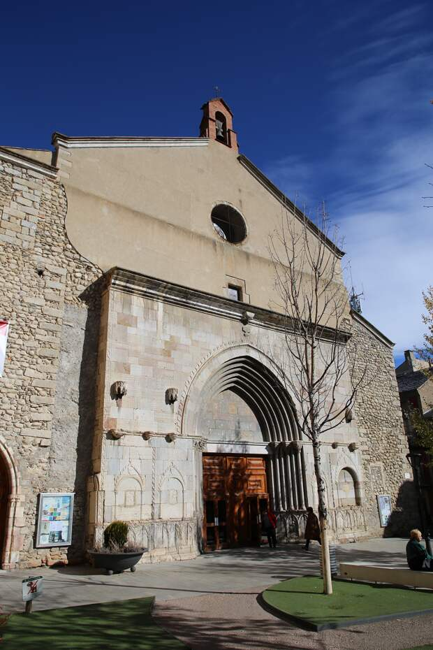 The Catalan city of Puigcerda – famous for its horse fairs and skiing