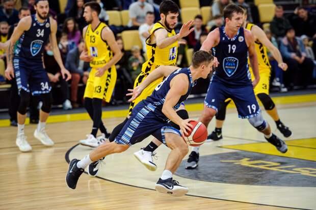 Ижевские баскетболисты «Купол-Родники» проиграли «Востоку-65» на Сахалине
