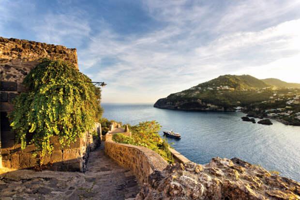 Отельеры Искьи объединяются и создают программу развития острова