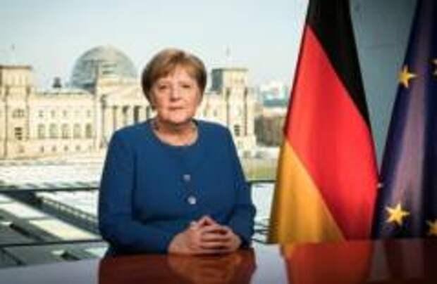 Меркель вернулась на рабочее место