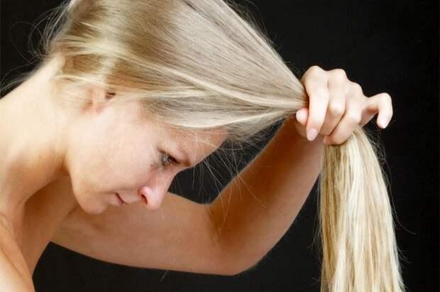 Развеян миф о пользе касторового масла для волос
