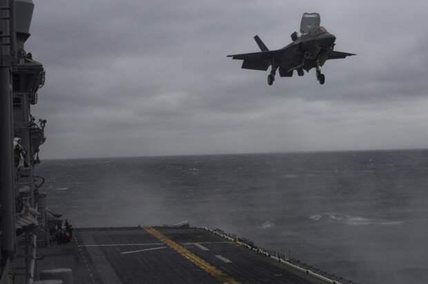 Первая боевая служба истребителей F-35B Lightning II
