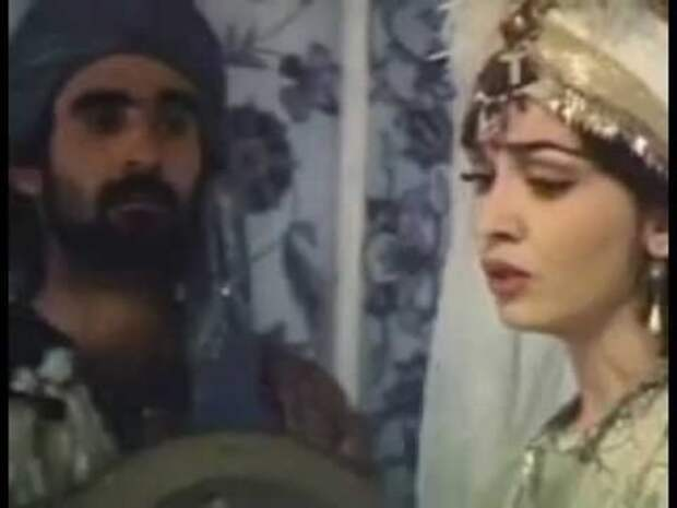 """Песня принцессы Эсмигюль """"Персиковый сад"""""""