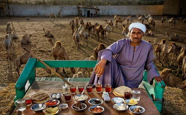 Saleh Abdul Fadlallah - торговец верблюдами из Каира. Суточное потребление - 3200 ккал