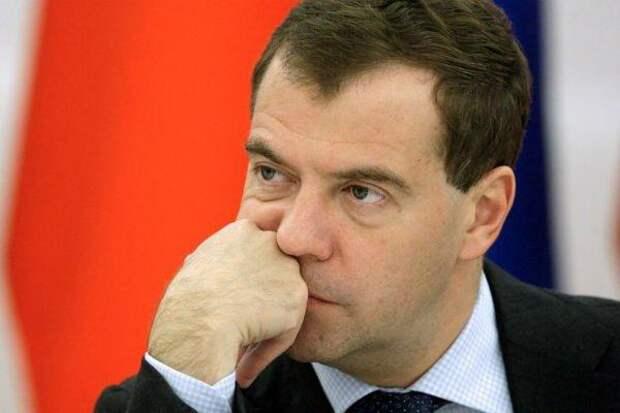 После двухнедельной пропажи  Дмитрий Медведев стал странно разговаривать (ВИДЕО)