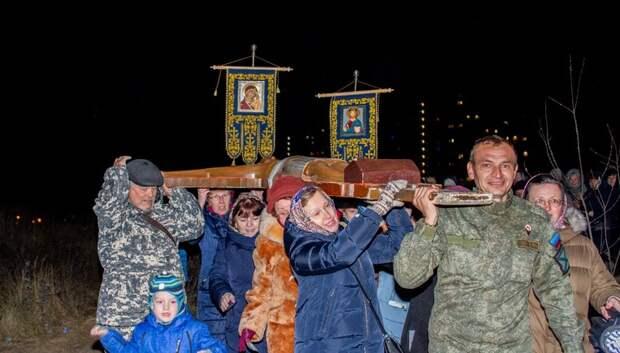 Участники крестного хода помолились об окончании строительства Никольского храма