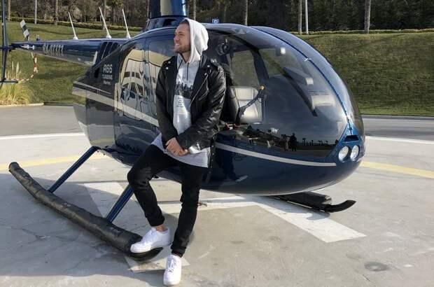 Влад Соколовский снял клип на песню «Я лечу домой»