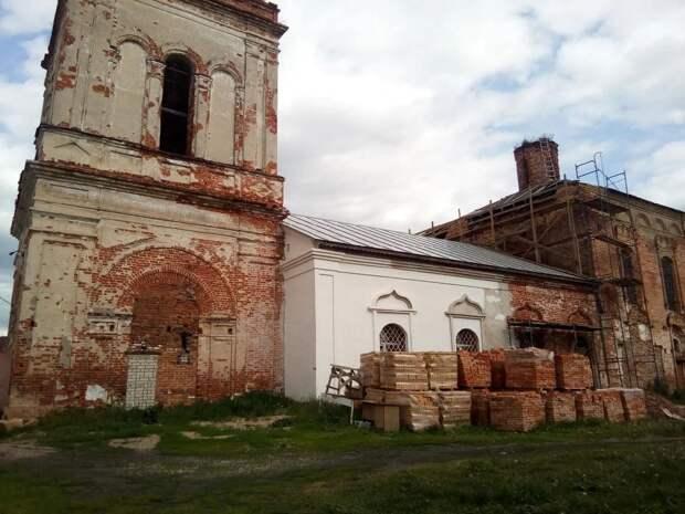 фото из открытых источников. Автор не архитектор, не строитель, не реставратор, но, думается, начатое восстановление ни в чём не изуродует первоначальный облик храма.