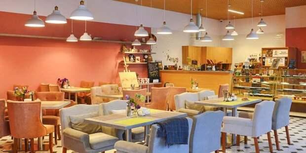 Кафе и рестораны Москвы начали контроль посетителей по QR-кодам
