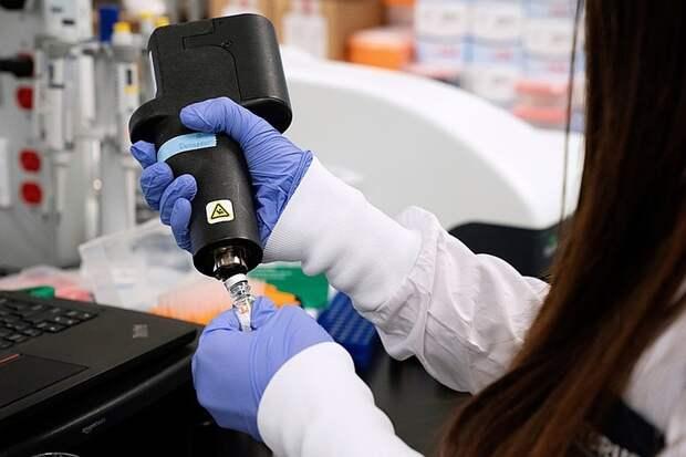 Moderna намерена установить на свою вакцину от коронавируса цену на уровне 50–60 долларов за курс