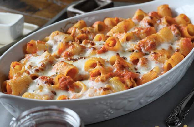Полпачки макарон и горячая духовка: превратили скучный продукт в праздник
