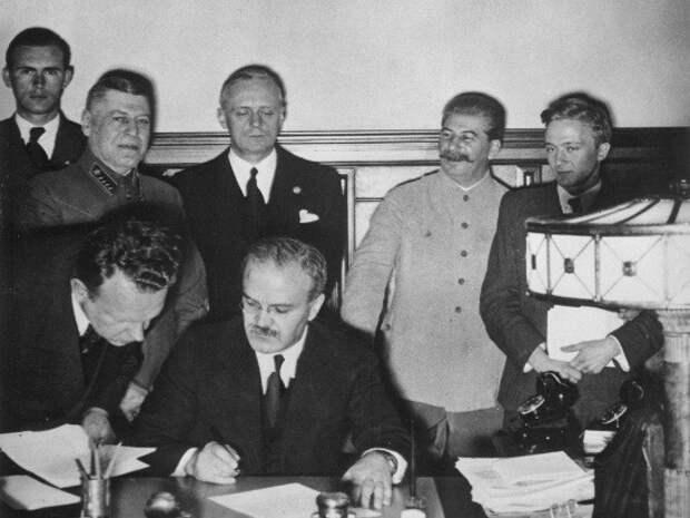 Пакт Молотова-Риббентропа как отчаянная попытка СССР отсрочить войну в Европе