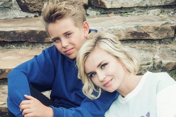 Полина Гагарина поздравила сына с 12-летием