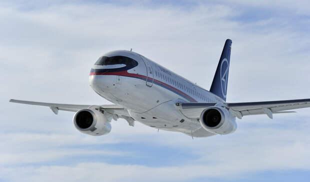 ВРоссии заночь сразу два Superjet-100 совершили вынужденную посадку— СМИ
