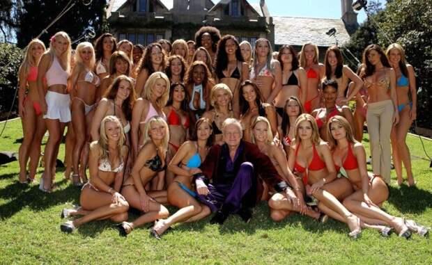 Бывшая модель Playboy рассказал оправилах жизни влегендарном особняке Хью Хефнера