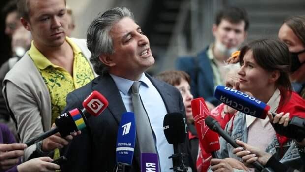 Что известно обадвокате Эльмане Пашаеве: гибель семьи ваварии, судимость икое-что еще