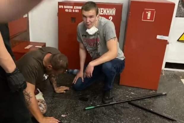 Протесты в Киеве: ветераны АТО напали на сторонников Шария, но получили отпор «по лицу»