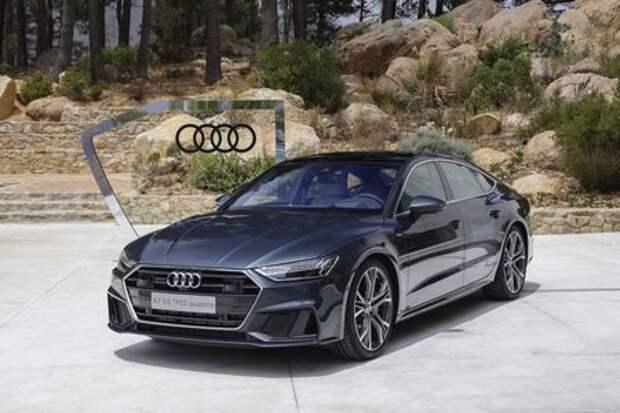 Audi отзывает автомобили: утекает охлаждающая жидкость