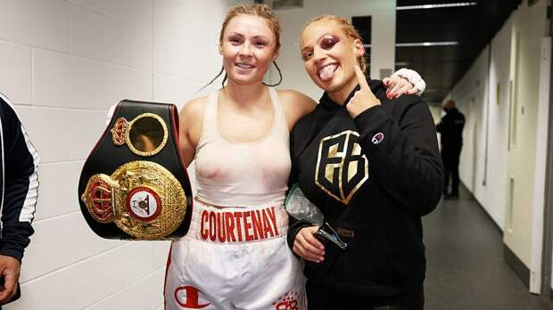 Пришедшая на взвешивание в нижнем белье боксерша в кровавой схватке проиграла бой за титул чемпионки мира