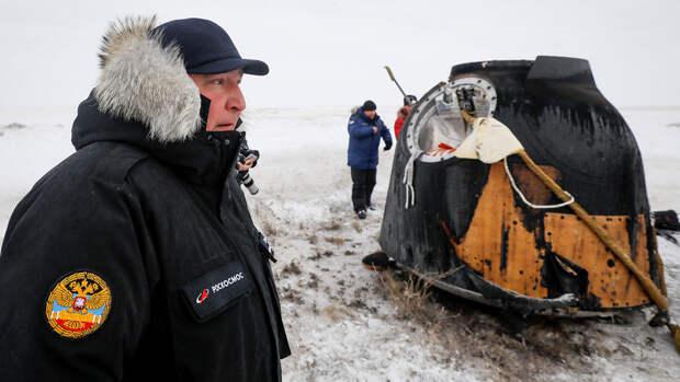 """Космонавт рассказал, кто мог просверлить дыру в """"Союзе-МС-09"""""""