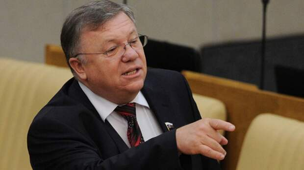 Адмирал Комоедов рассказал, как РФ может «успокоить» агрессивные выпады США в Черном море