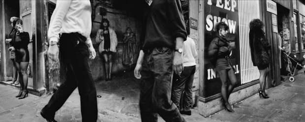 Труженицы секс-индустрии с улицы Сен-Дени. Фотограф Массимо Сормонта 4