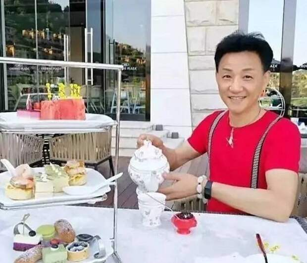 Точно вампир! 68-летний шанхайский дедушка выглядит на 22 долголетие, жизнь, истории, китай, факты