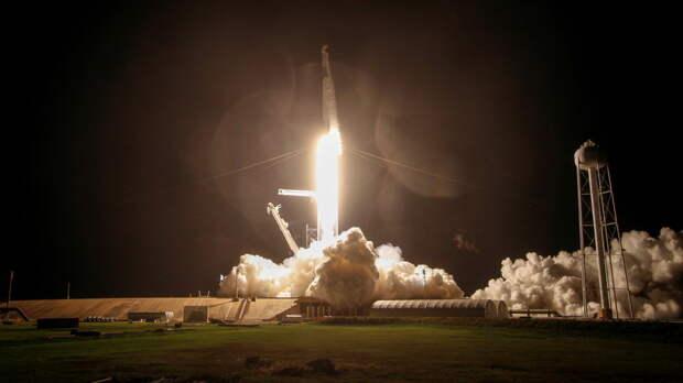 Ракета Falcon 9 со спутником успешно стартовала в США