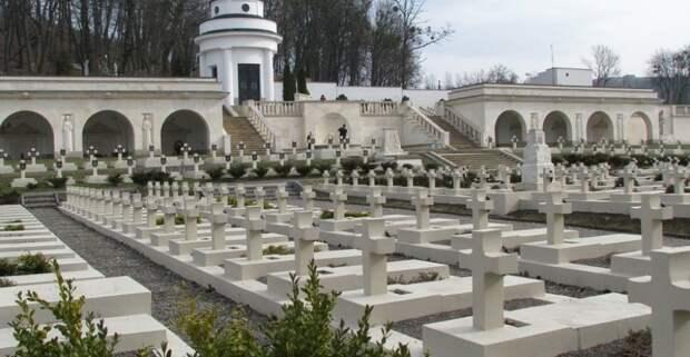 Чем обернётся для Украины культ польских харцеров