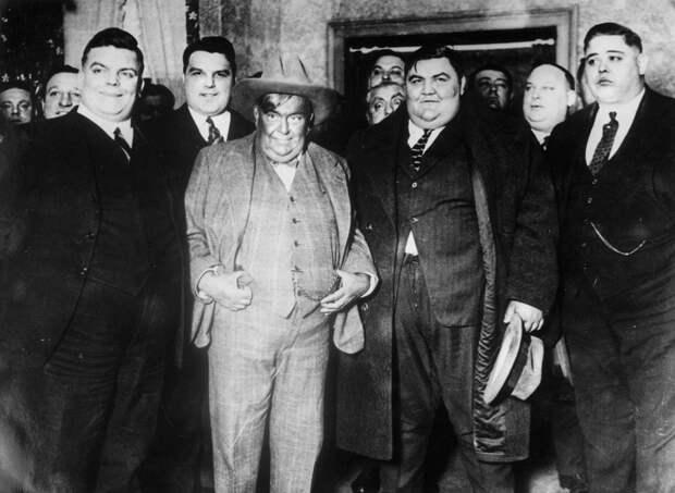 Фото Клуба толстых мужчин, США