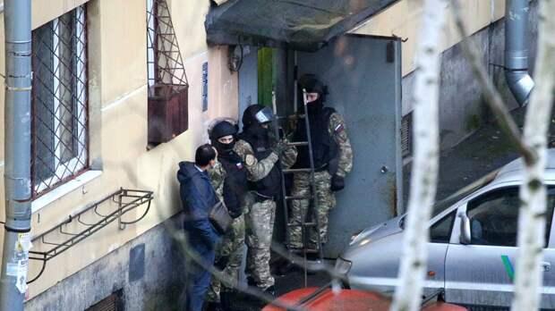Плодитесь и раздражайтесь. Вчера под Петербургом мужчина захватил шестерых детей в заложники