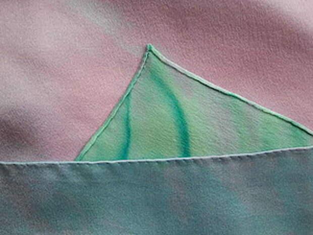 Обработка края шелкового платка