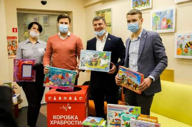 +500 к храбрости: Волонтеры Северного округа собрали игрушки для детей с ОВЗ