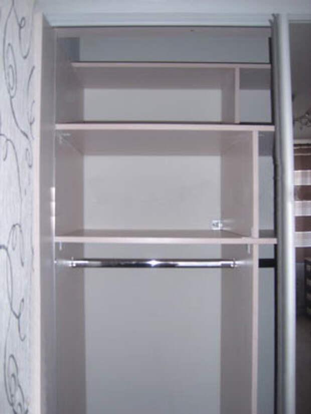 Левая створка шкафа