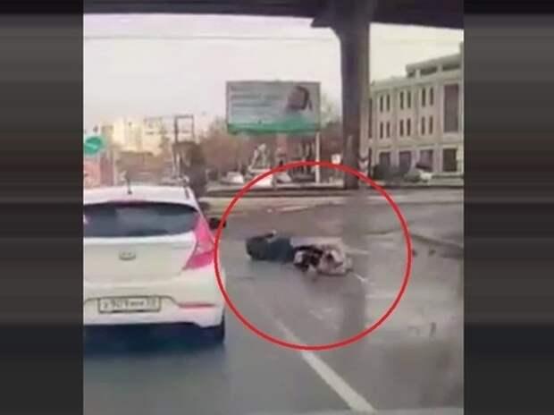 СМИ: пьяный полуголый сын российского депутата сбил прокурора с женой