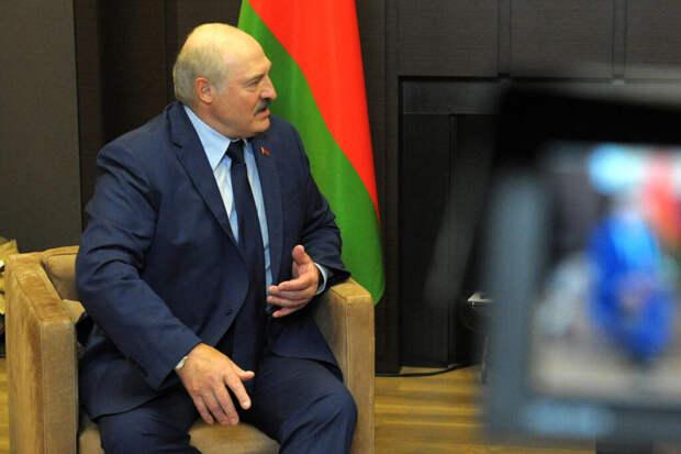 Лукашенко рассказал, что мешает созданию единой валюты с Россией