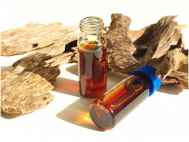 pure-agarwood-oil