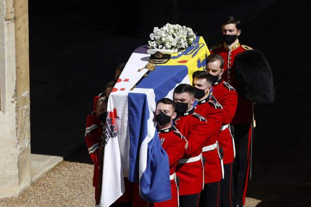 Скромная церемония на 30 человек: как в Лондоне простились с принцем Филиппом