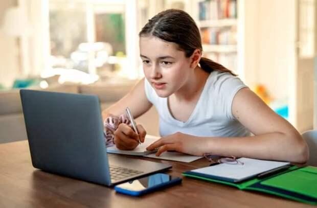 COVID-19 в школах: Сколько учебных заведений в стране работают онлайн