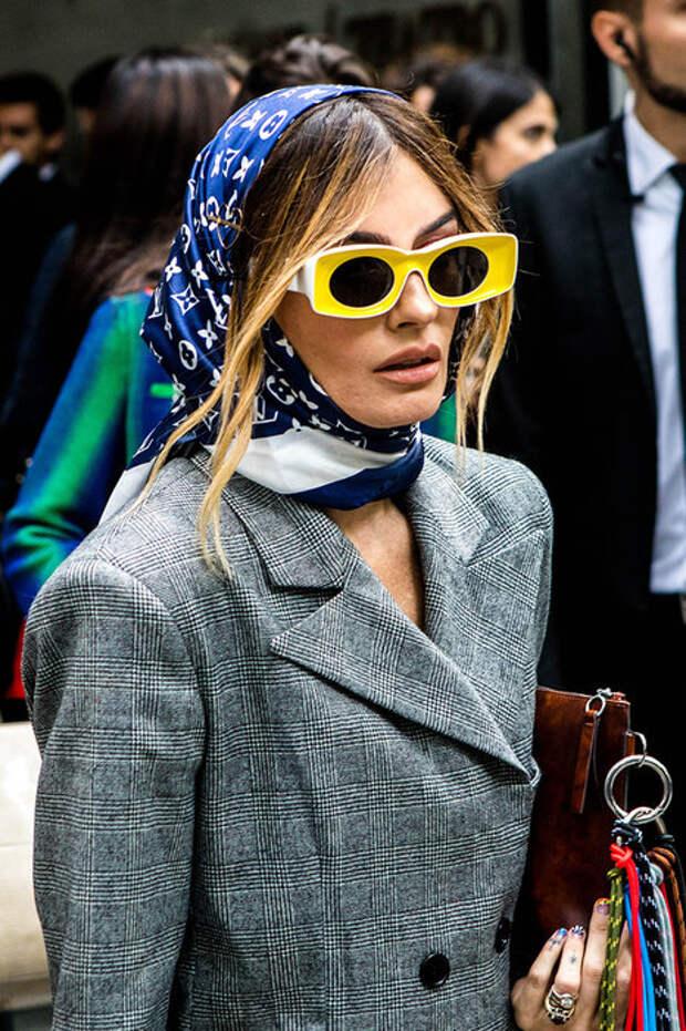Капоры, шарфы, панамы: 5 стильных альтернатив шапке зимой-2020