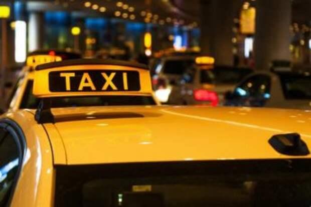 Умница таксист! Надо учить, если на словах не понимают.